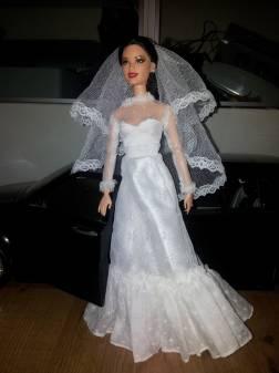 Vestido de novia tejido para muneca