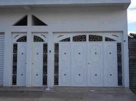 Puertas de metal related keywords puertas de metal long for Disenos de puertas de metal